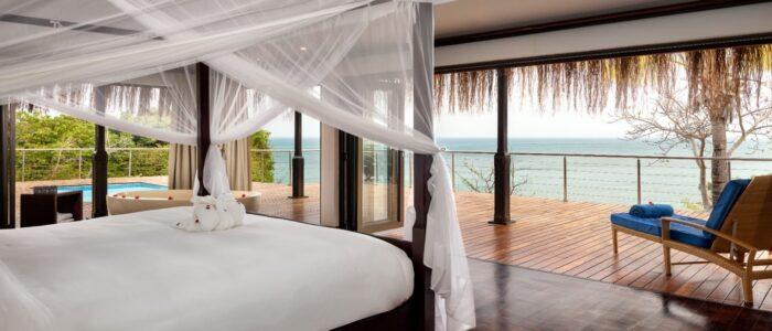 anantara bazaruto deluxe sea pool villa bedroom 1920x1037